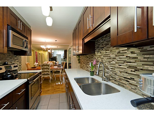 "Main Photo: 37 1825 PURCELL Way in North Vancouver: Lynnmour Condo for sale in ""LYNNMOUR SOUTH"" : MLS®# V999006"
