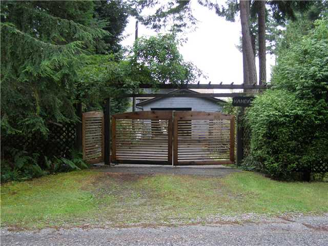 Main Photo: 512 ROCKMOYNE PL: Bowen Island House for sale : MLS(r) # V1024617