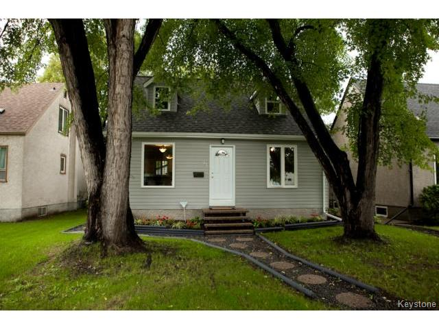 Main Photo: 91 Des Meurons Street in WINNIPEG: St Boniface Residential for sale (South East Winnipeg)  : MLS® # 1422081
