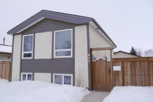 Main Photo: 317 Le Maire Street in Winnipeg: St Norbert Single Family Detached for sale (South Winnipeg)  : MLS® # 1603389