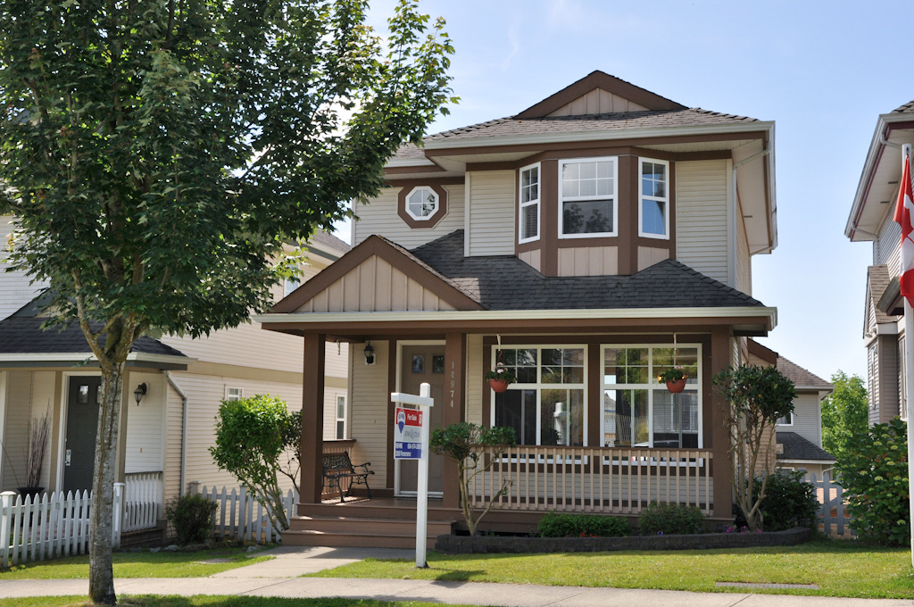 "Main Photo: 14874 57TH Avenue in Surrey: Sullivan Station House for sale in ""PANORAMA VILLAGE"" : MLS® # F1217525"