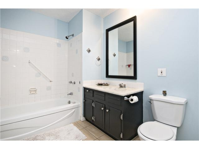 Photo 10: 46 714 WILLOW PARK Drive SE in CALGARY: Willow Park Townhouse for sale (Calgary)  : MLS® # C3578965