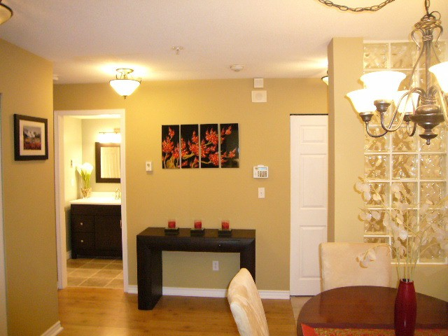 Photo 5: # 110 22015 48TH AV in Langley: Murrayville Condo for sale : MLS(r) # F1401657