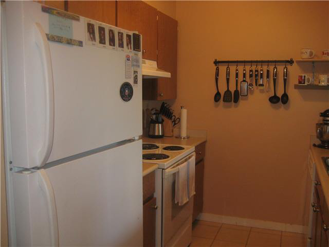 Photo 3: 703 9521 Cardston Court in Burnaby: Government Road Condo for sale (Burnaby North)  : MLS(r) # V1137647