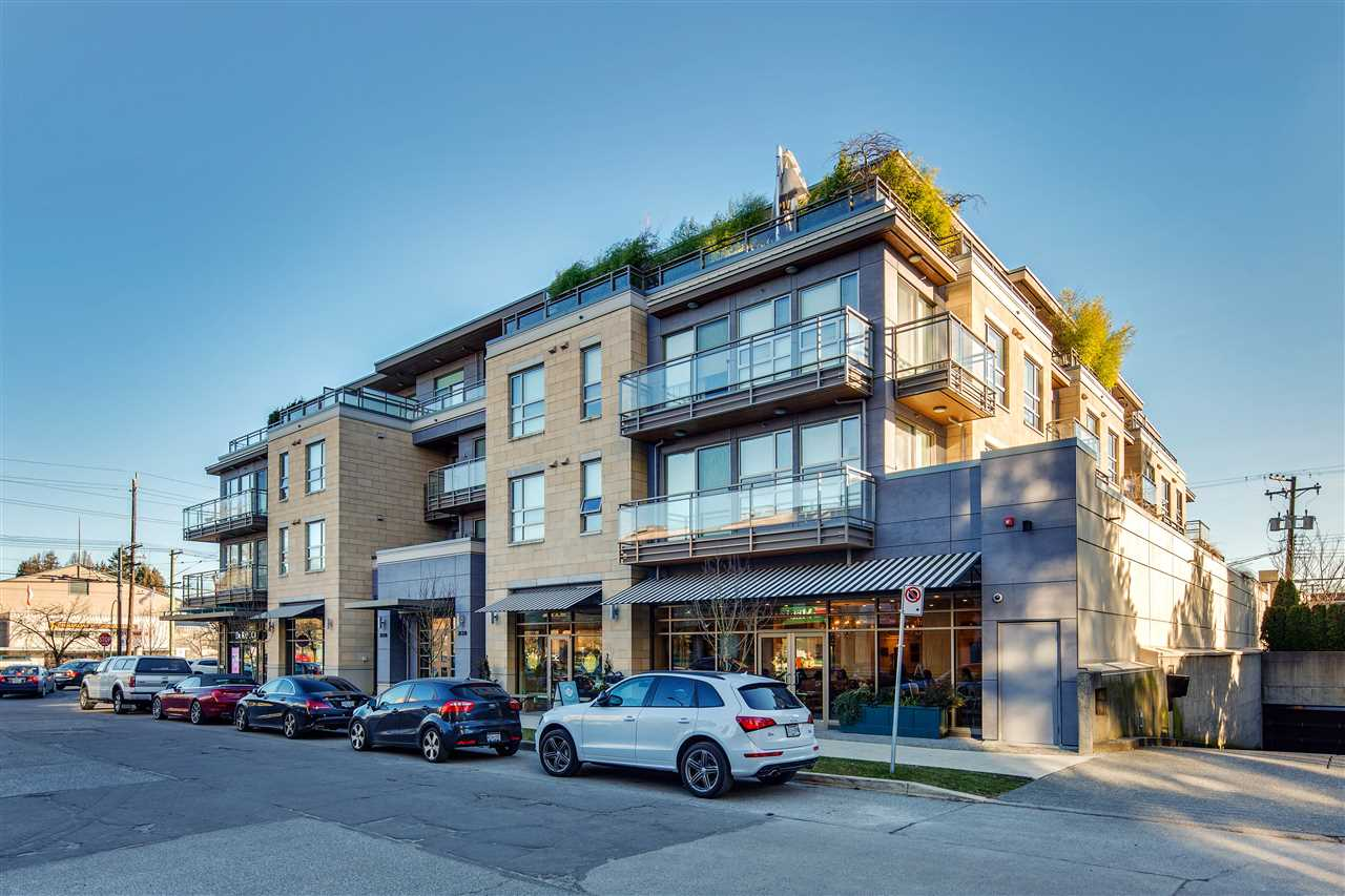 Main Photo: 203 2128 W 40TH AVENUE in Vancouver: Kerrisdale Condo for sale (Vancouver West)  : MLS® # R2136283