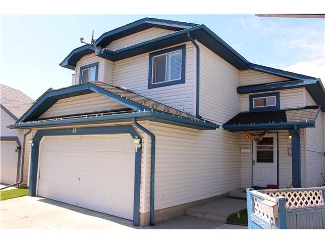 Main Photo: 41 APPLEMONT Place SE in CALGARY: Applewood Residential Detached Single Family for sale (Calgary)  : MLS® # C3576913