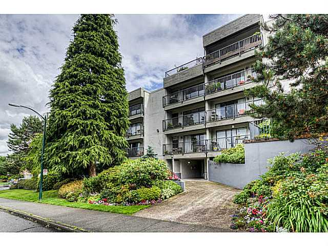 Main Photo: 2120 West 2nd Ave in Vancouver: Kitsilano Condo for sale (Vancouver West)  : MLS® # v1013797