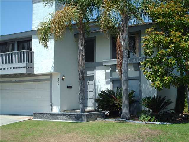 Main Photo: CLAIREMONT Townhome for sale : 3 bedrooms : 4509 Caminito Cristalino in San Diego