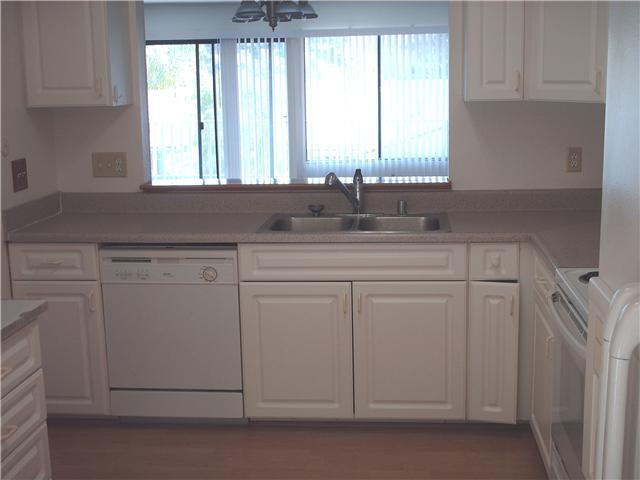 Photo 4: CLAIREMONT Townhome for sale : 3 bedrooms : 4509 Caminito Cristalino in San Diego