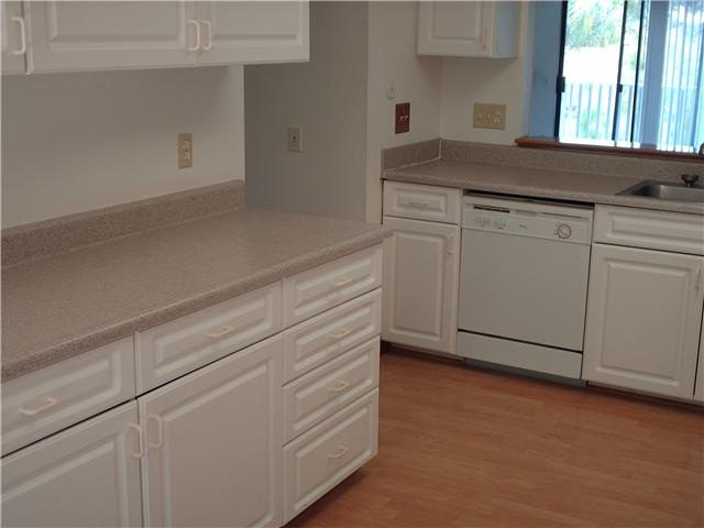 Photo 3: CLAIREMONT Townhome for sale : 3 bedrooms : 4509 Caminito Cristalino in San Diego