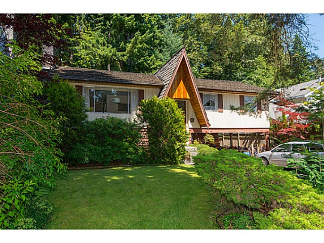 Main Photo: 688 E ST JAMES RD in North Vancouver: Princess Park House for sale : MLS®# V1077753
