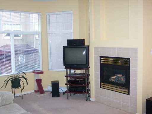 "Photo 3: 580 12TH Street in New Westminster: Uptown NW Condo for sale in ""THE REGENCY"" : MLS(r) # V628774"