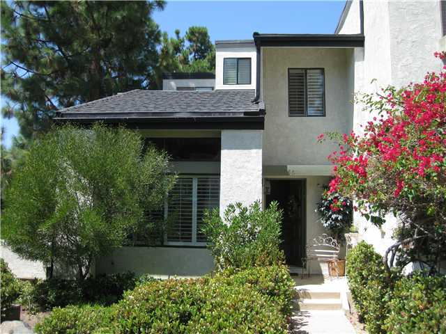 Main Photo: LA JOLLA Townhome for sale : 2 bedrooms : 3356 Via Alicante