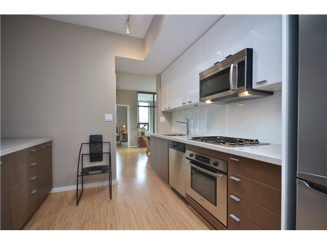 "Photo 3: # 603 531 BEATTY ST in Vancouver: Downtown VW Condo for sale in ""METROLIVING"" (Vancouver West)  : MLS® # V999631"