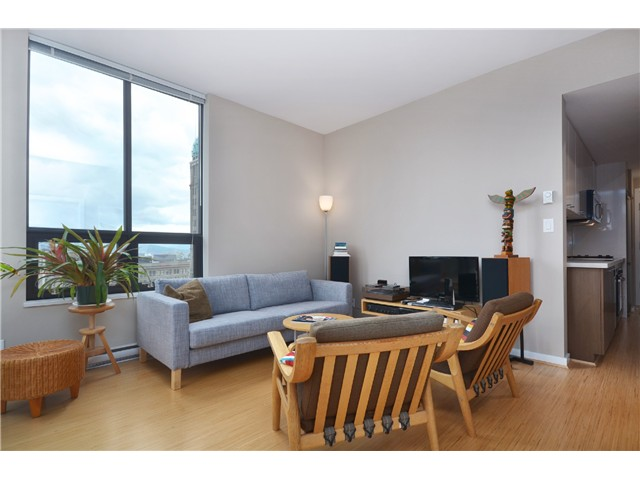 "Photo 6: # 603 531 BEATTY ST in Vancouver: Downtown VW Condo for sale in ""METROLIVING"" (Vancouver West)  : MLS® # V999631"