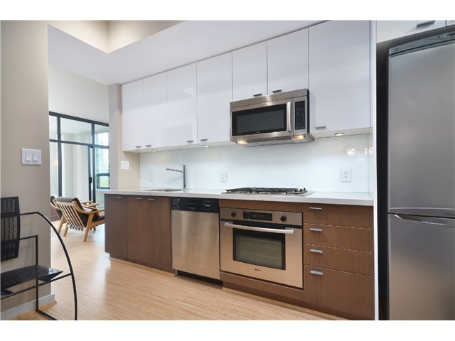 "Photo 4: # 603 531 BEATTY ST in Vancouver: Downtown VW Condo for sale in ""METROLIVING"" (Vancouver West)  : MLS® # V999631"