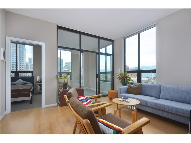 "Photo 5: # 603 531 BEATTY ST in Vancouver: Downtown VW Condo for sale in ""METROLIVING"" (Vancouver West)  : MLS(r) # V999631"