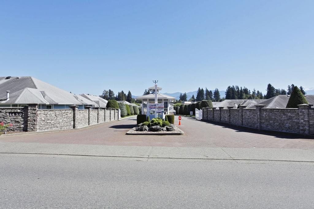 "Photo 30: 9 1450 MCCALLUM Road in Abbotsford: Poplar Townhouse for sale in ""Crown Point Villas"" : MLS® # F1318495"