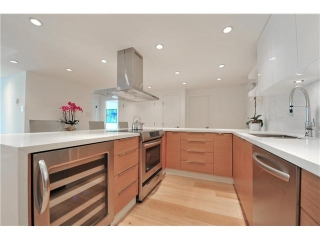 Main Photo: # 502 1490 PENNYFARTHING DR in Vancouver: False Creek Condo for sale (Vancouver West)  : MLS®# V1071646