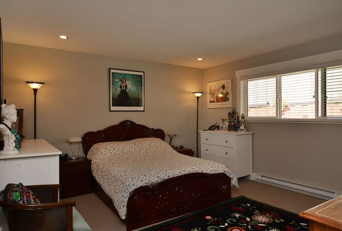 Photo 13: 5533 PEREGRINE CRESCENT in Sechelt: Sechelt District House for sale (Sunshine Coast)  : MLS(r) # R2048842