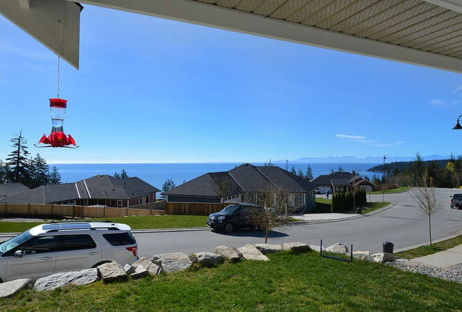 Photo 4: 5533 PEREGRINE CRESCENT in Sechelt: Sechelt District House for sale (Sunshine Coast)  : MLS(r) # R2048842