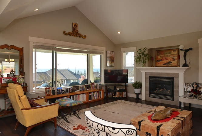 Photo 8: 5533 PEREGRINE CRESCENT in Sechelt: Sechelt District House for sale (Sunshine Coast)  : MLS(r) # R2048842