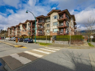 Main Photo: 103 200 KLAHANIE DRIVE in Port Moody: Port Moody Centre Condo for sale : MLS(r) # R2040361