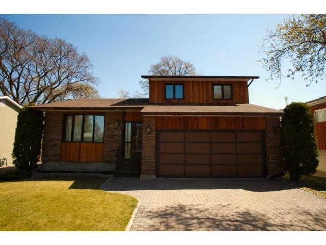 Main Photo: 77 Bright Oaks Bay in WINNIPEG: St Vital Residential for sale (South East Winnipeg)  : MLS® # 1208098