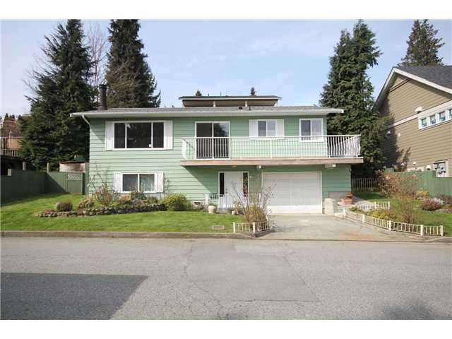 "Main Photo: 525 MCDONALD Street in New Westminster: The Heights NW House for sale in ""THE HEIGHTS"" : MLS(r) # V997817"