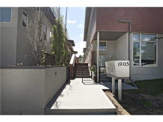 Main Photo: 217 1905 27 Avenue SW in Calgary: Townhouse for sale : MLS(r) # C3619773