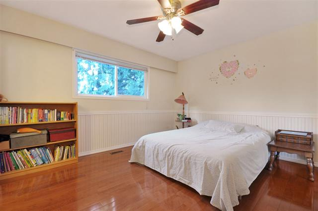 Photo 8: 2177 GUILFORD Drive in Abbotsford: House for sale : MLS(r) # R2018434