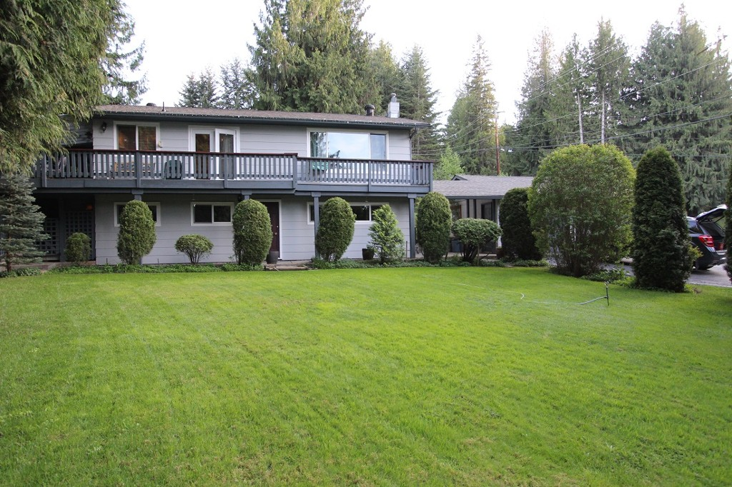 Main Photo: 2492 Forest Drive: Blind Bay House for sale (Shuswap)  : MLS® # 10115523