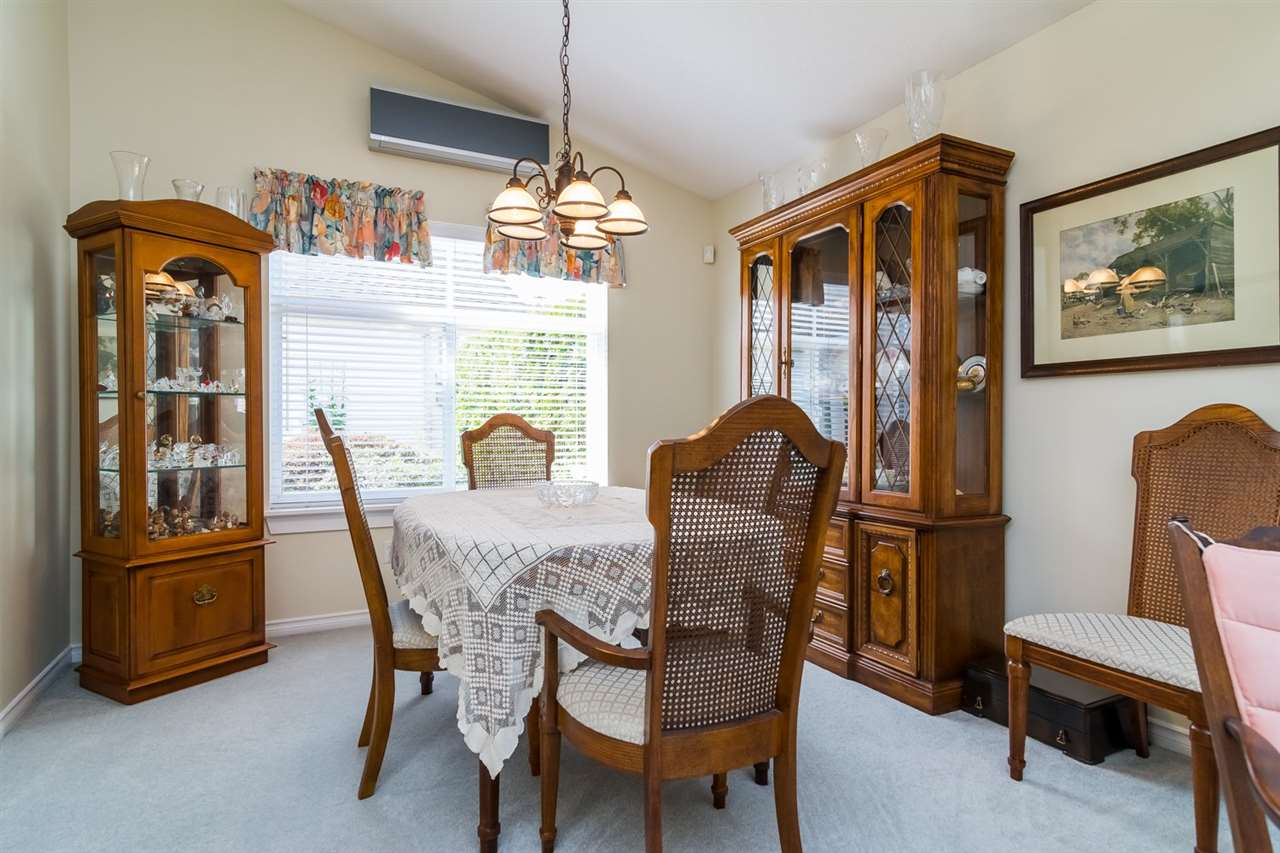 Photo 5: 23 8555 209 STREET in Langley: Walnut Grove Townhouse for sale : MLS® # R2065792