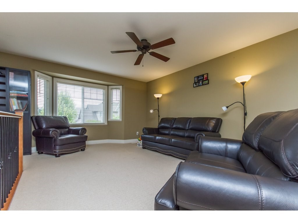 Photo 9: 32792 HOOD AVENUE in Mission: Mission BC House for sale : MLS® # R2119405