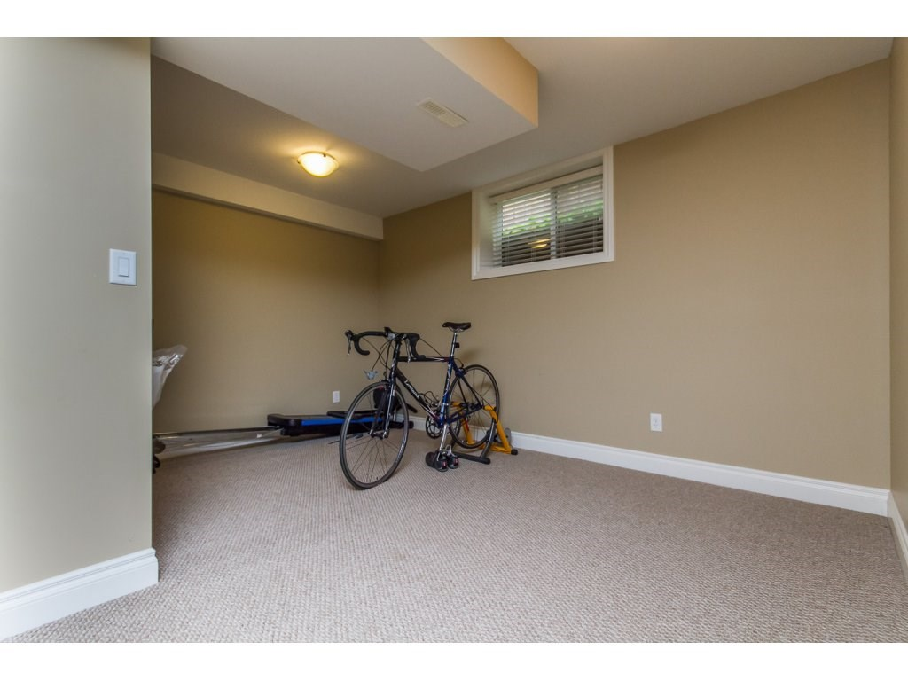Photo 17: 32792 HOOD AVENUE in Mission: Mission BC House for sale : MLS® # R2119405