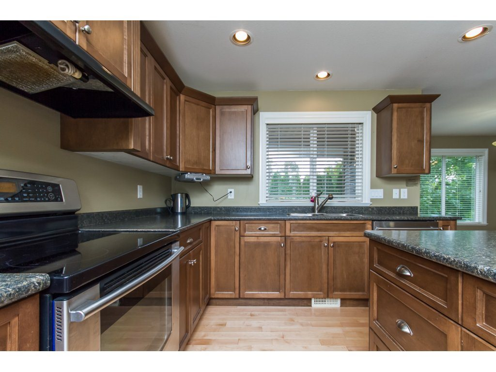 Photo 4: 32792 HOOD AVENUE in Mission: Mission BC House for sale : MLS® # R2119405