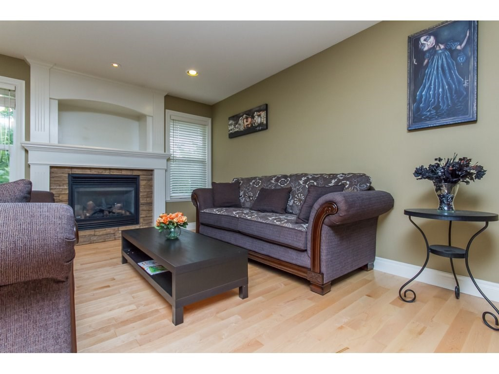 Photo 7: 32792 HOOD AVENUE in Mission: Mission BC House for sale : MLS® # R2119405