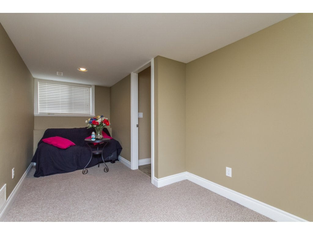 Photo 16: 32792 HOOD AVENUE in Mission: Mission BC House for sale : MLS® # R2119405