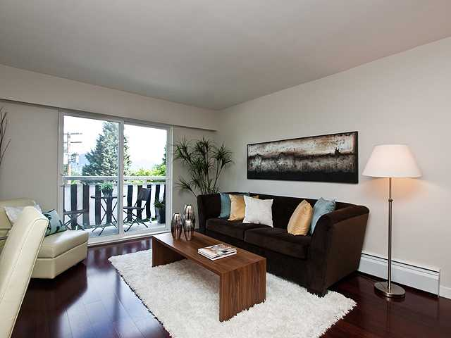 Main Photo: 324 711 6 Avenue in Vancouver: Mount Pleasant VE Condo for sale (Vancouver East)  : MLS(r) # v990477