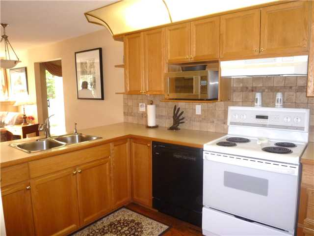 Photo 3: # 601 70 RICHMOND ST in : Fraserview NW Condo for sale : MLS® # V929092