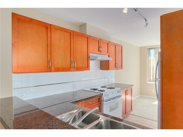 Photo 6: 903 4380 HALIFAX Street in Burnaby: Brentwood Park Condo for sale (Burnaby North)  : MLS® # V1073694