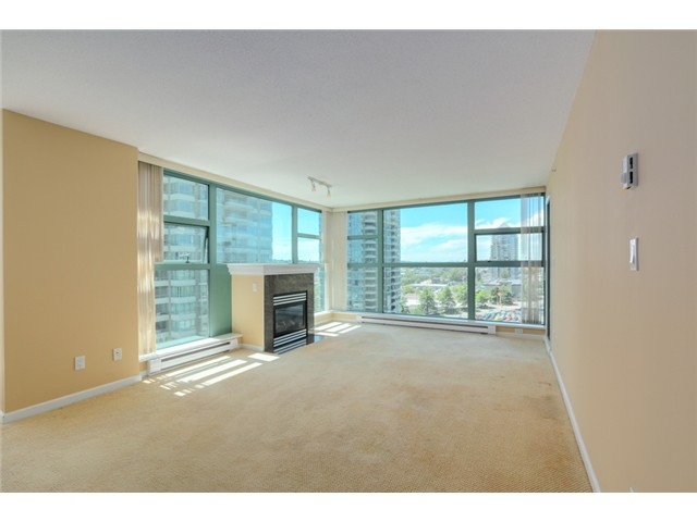 Photo 3: 903 4380 HALIFAX Street in Burnaby: Brentwood Park Condo for sale (Burnaby North)  : MLS® # V1073694