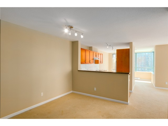 Photo 5: 903 4380 HALIFAX Street in Burnaby: Brentwood Park Condo for sale (Burnaby North)  : MLS® # V1073694