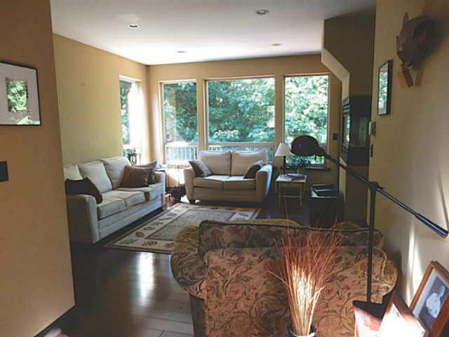 Photo 2: 5836 MARINE Way in Sechelt: Sechelt District House for sale (Sunshine Coast)  : MLS(r) # V1078879