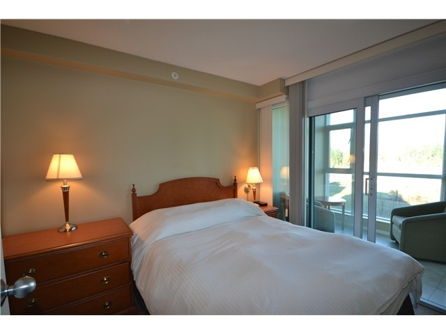 Photo 3: 702 1889 Alberni Street in Vancouver: West End VW Condo for sale (Vancouver West)  : MLS(r) # R2071077
