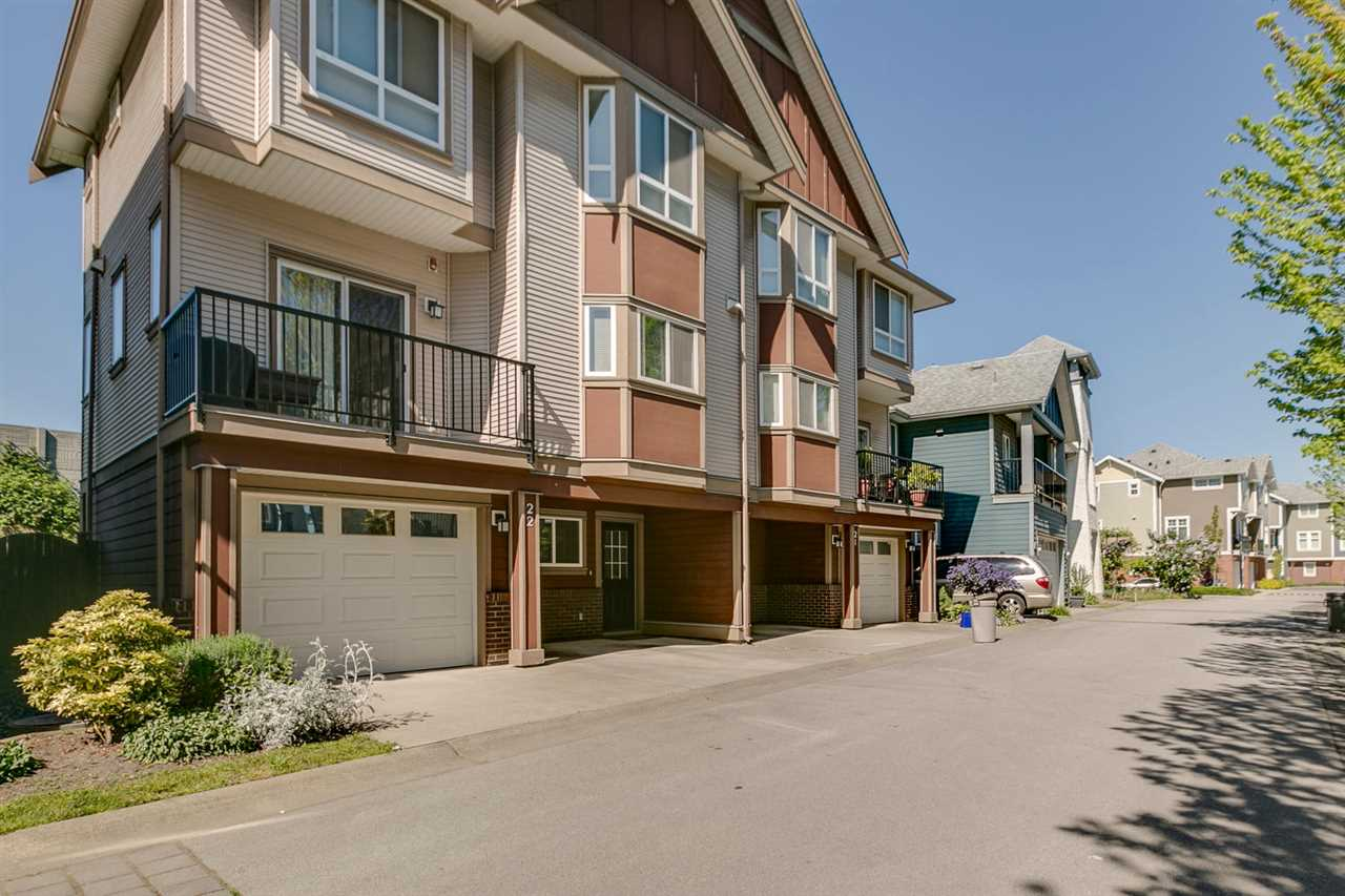 Main Photo: 22 1211 EWEN AVENUE in New Westminster: Queensborough Townhouse for sale : MLS® # R2077512