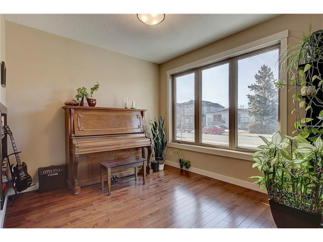 Photo 15: 4412 19 AV NW in Calgary: Montgomery House for sale : MLS(r) # C4076947