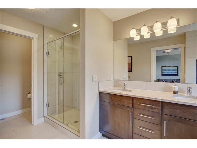 Photo 19: 4412 19 AV NW in Calgary: Montgomery House for sale : MLS(r) # C4076947