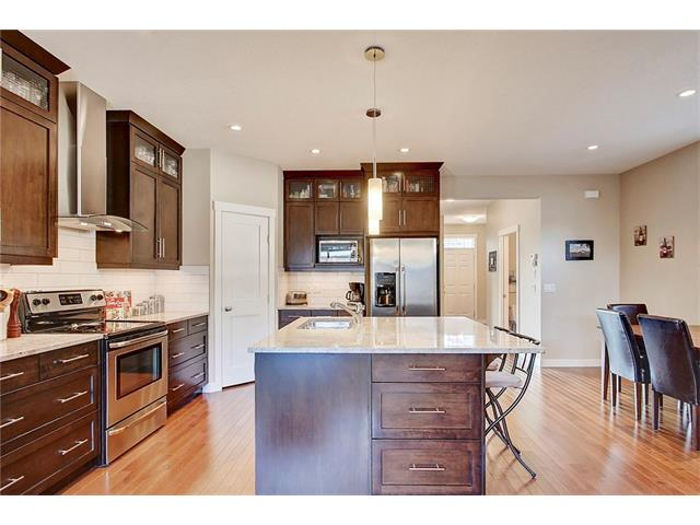 Photo 5: 4412 19 AV NW in Calgary: Montgomery House for sale : MLS(r) # C4076947