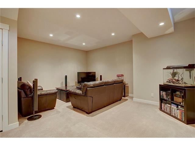 Photo 26: 4412 19 AV NW in Calgary: Montgomery House for sale : MLS(r) # C4076947
